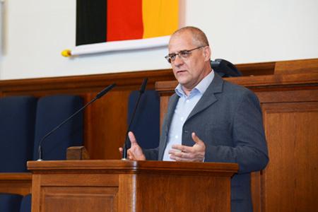 Andreas Gladisch; Leiter des Jugendamtes Neukölln